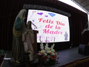 Celebración Día de la Madre en Educación Media