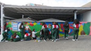 Mural pintado por alumnas de 4º medio