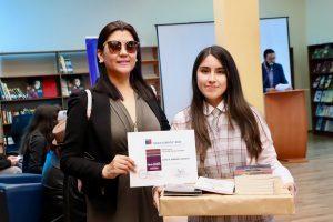 """Alumna Maite Bernales, ganadora del 1er lugar en Concurso Literario """"Hazla Cortita"""""""