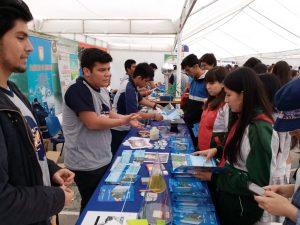 Visita de alumnas a feria vocacional Universidad de Tarapacá