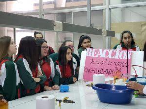 Alumnas visitan Casa Abierta de la Universidad de Tarapacá