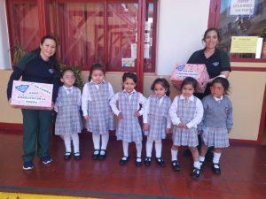 Alumnas de pre-kinder en actividad solidaria